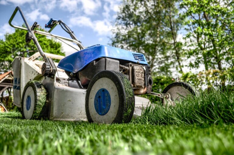How to Get Lawn Maintenance Right