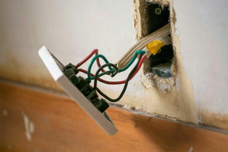 Replacing An Electrical Outlet With 4 Wires